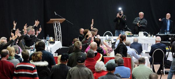 Meyers Marionetten? Abstimmung für den Masterplan, Foto (C): Eilert Voß