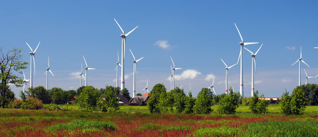 Windpark Westerholt mit dem Ort Utarp, Landkreis Wittmund/NDS, Foto (C): Manfred Knake