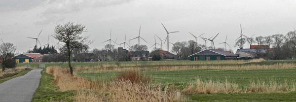 Das Dorf Fulkum, Gemeinde Holtgast, LK Wittmund/NDS: bald völlig mit Windkraftanlagen umzingelt?, Foto (C): Manfred Knake