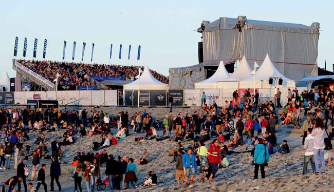 Ais einer riesigen Bühne dröhnten fünf Tage lang enorme Bäse über den Ntionalpark: Foto Wattenrat Ostfriesland