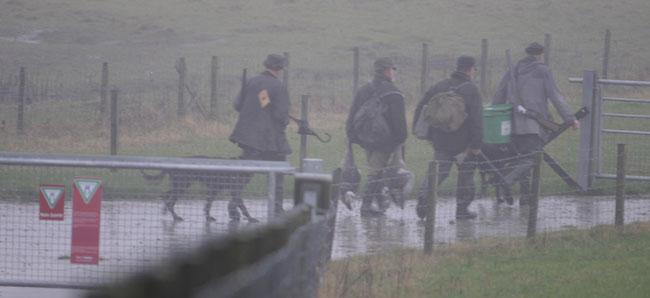 Gänsejäger in einem EU-Vogelschutzgebiete an der Ems, die Jagd begann bei Dunkelheit und Nebel, Foto (C): Eilert Voß